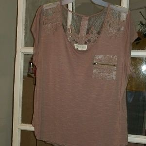 Mauve top w/slit and button down back